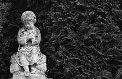 mourner-statue