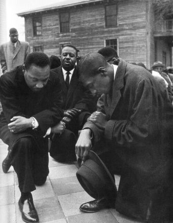 mlk in prayer