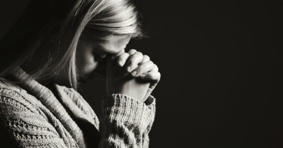 woman-praying-black-white-sad-sized.630w.tn_